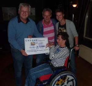 Overhandiging Cheque St. Jorens(2)